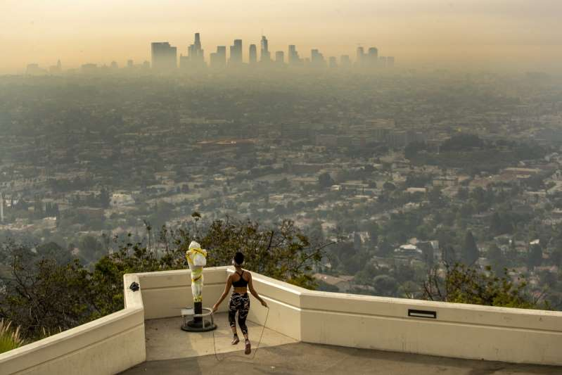 Is it Safe to Exercise Indoors or Outdoors When Air Quality Is Bad? Here's What Experts Say.